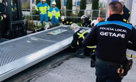 Alternativa Sindical ha denunciado ante la Inspección Especial de trabajo a las empresas Securitas y Logitech por el accidente sufrido el pasado día 29 de diciembre en Getafe, cuando un vigilante casi pierde la vida tras caerle una puerta mal anclada de 1.600 kg