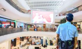 Un 59% de los ciudadanos percibe que la ley ampara más a los presuntos delincuentes que a los vigilantes. Nueve de cada diez españoles se sienten más seguros en los lugares con vigilantes