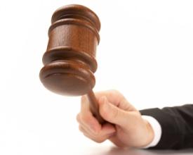 El-juez-dicta-sentencia